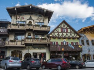 Downtown Leavenworth Bavarian village Front St